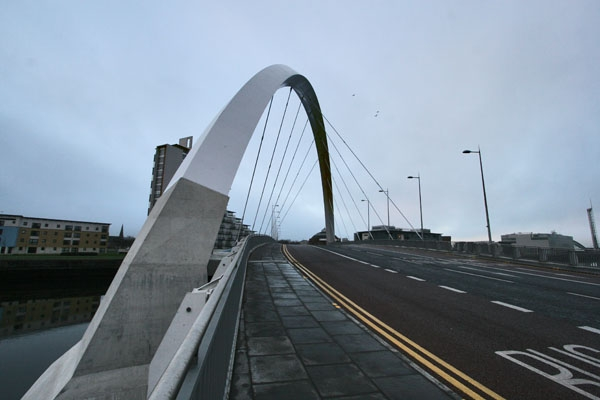 Send picture of Bridge in Glasgow from United Kingdom as a free postcard