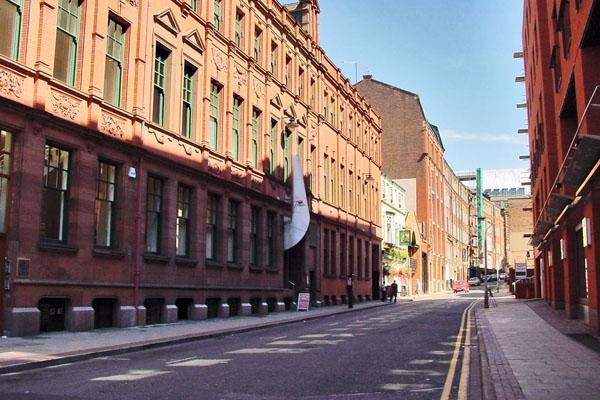 Spedire foto di A street in Manchester di Regno Unito come cartolina postale elettronica