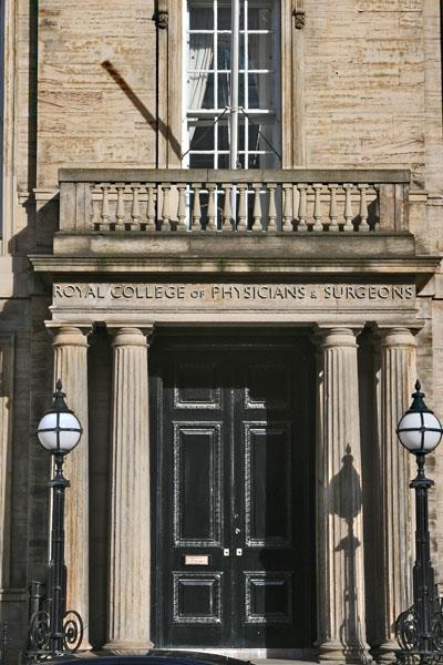 Stuur foto van College building in Glasgow van Verenigd Koninkrijk als een gratis kaart