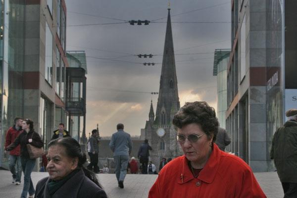 Stuur foto van Women in Birmingham van Verenigd Koninkrijk als een gratis kaart