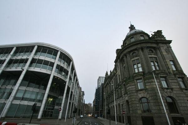 Spedire foto di Buildings in Glasgow di Regno Unito come cartolina postale elettronica