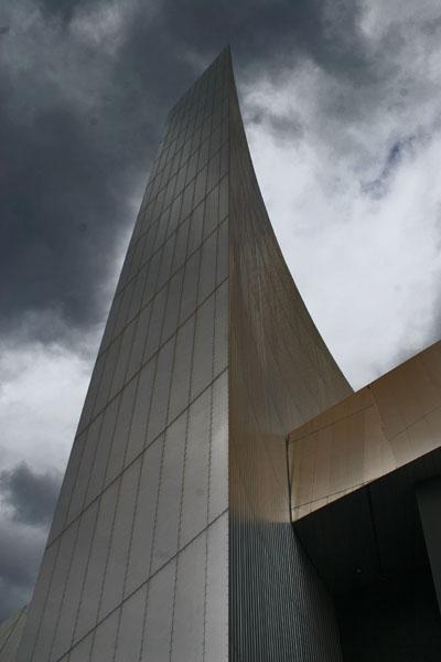 Stuur foto van Modern architecture in Salford Quay: Imperial War Museum North van Verenigd Koninkrijk als een gratis kaart