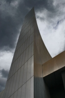 Foto van Modern architecture in Salford Quay: Imperial War Museum North - United Kingdom