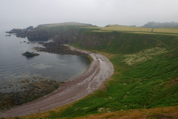 Stuur foto van Coastline south of Stonehaven, Scotland van Verenigd Koninkrijk als een gratis kaart