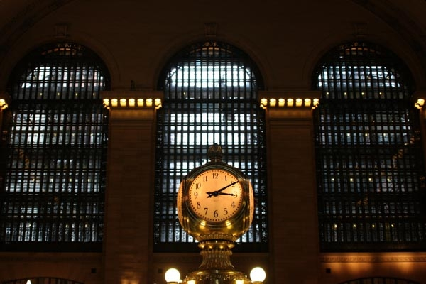 Send picture of Clock at the Grand Central Station from U.S.A. as a free postcard