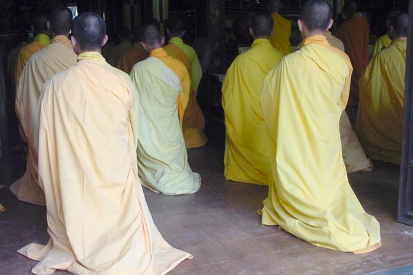 Send picture of Praying Buddhist monks from Vietnam as a free postcard