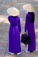 Foto de Women wearing conical hats - Vietnam