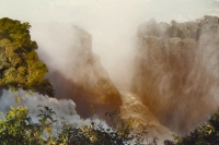 Foto van Victoria Falls, or Mosi-o-Tunya, the smoke that thunders - Zimbabwe